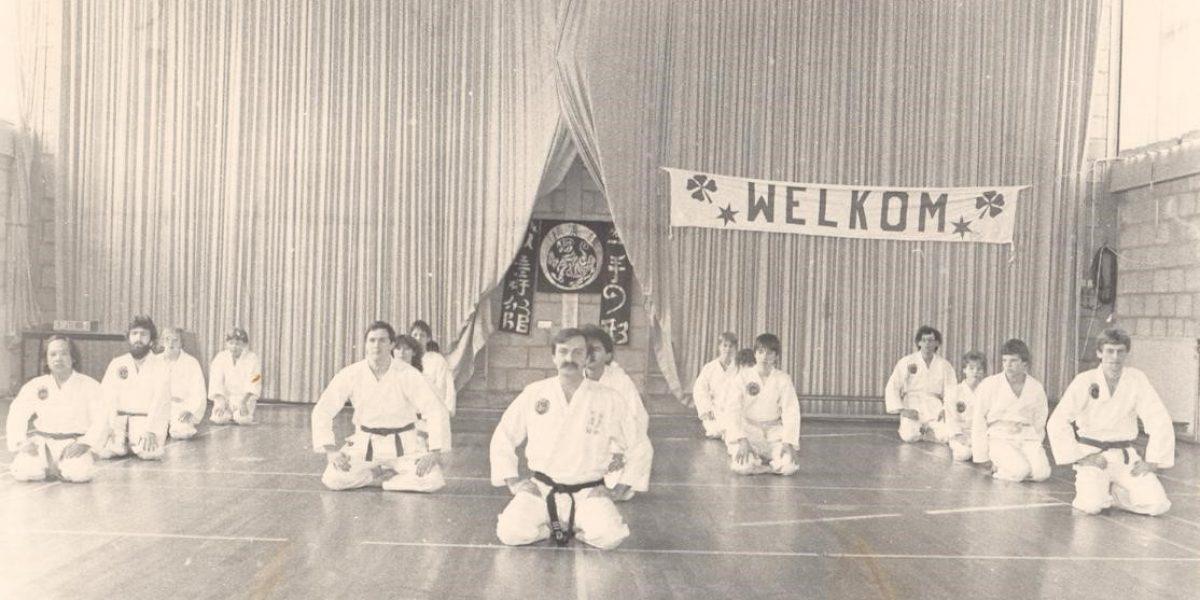 http://karateverenigingkanku.nl/wp-content/uploads/2018/02/Foto-geschiedenis-Kan-Ku-1200x600.jpg