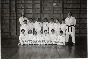 http://karateverenigingkanku.nl/wp-content/uploads/2018/02/Foto-geschiedenis-Kan-Ku-2-300x200.jpg