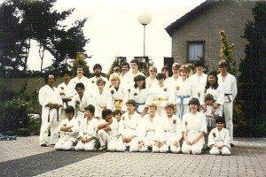 http://karateverenigingkanku.nl/wp-content/uploads/2018/02/Foto-geschiedenis-Kan-Ku-3-300x200.jpg